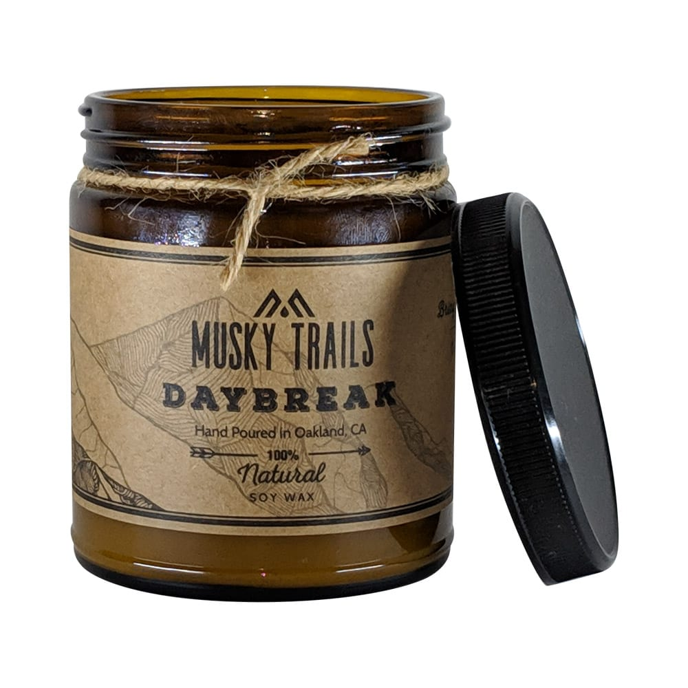 daybreak apothecary candle 8oz amber jar lid off
